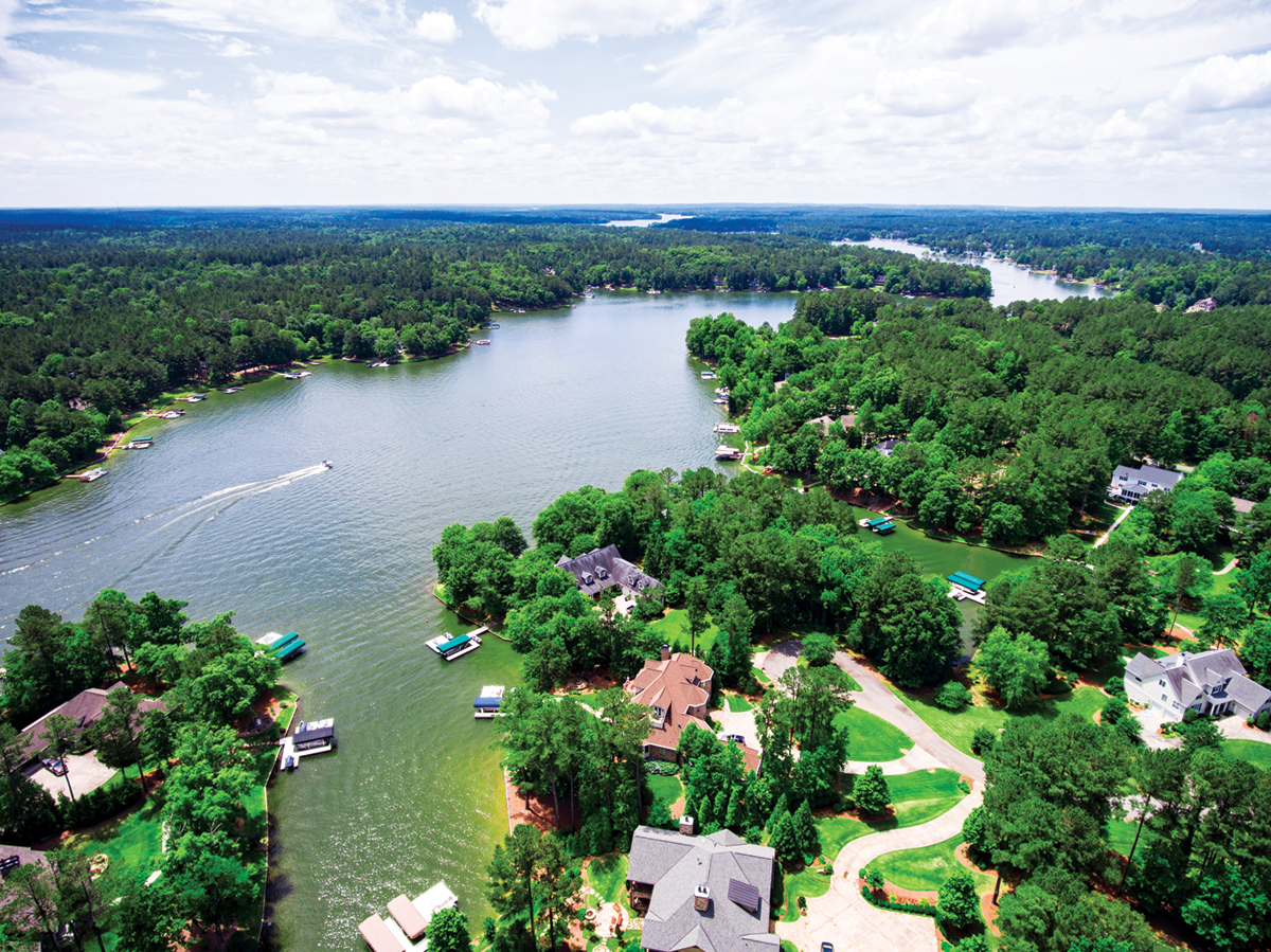 metro Atlanta lake living at Harbor Club