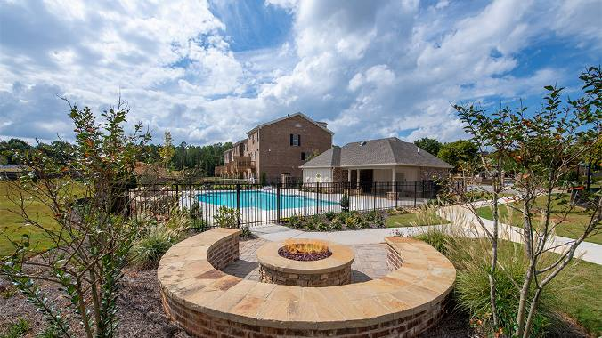 Terraces at Peachtree Corner fire pit and pool